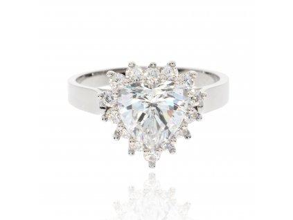 4007 1 prsten z bileho zlata se zirkony ve tvaru srdce