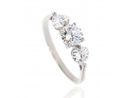Zlatý prsten se zirkony do tvaru srdce