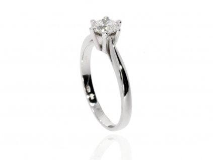 7730 zlaty prsten s dominantnim moissanitem