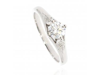 Zlatý prsten z bílého zlata zdobený zirkony