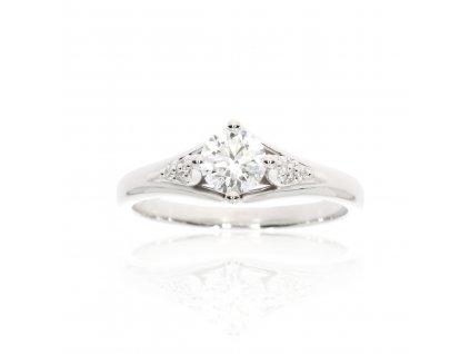 Zlatý prsten posázený diamanty