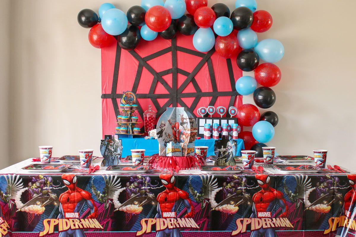 SpiderMan-Party-DecorationA