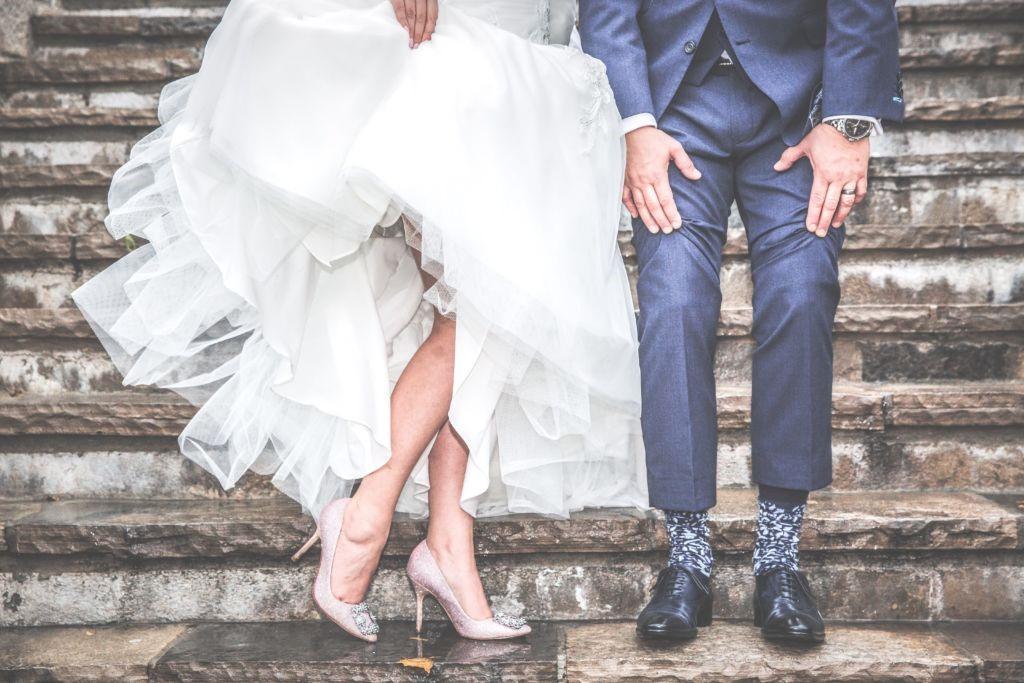 Színesítse az esküvői programot harisnyakötős játékokkal!