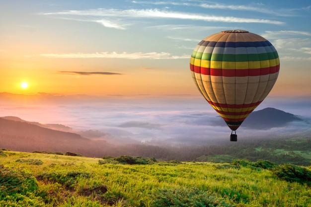 big-hot-air-balloon-green-grass_127089-10425