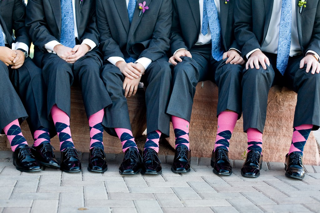groom-and-groomsmen-wear-funky-pink-and-blue-argile-socks.full