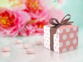 Krabička bodkovaná ružová so stuhou