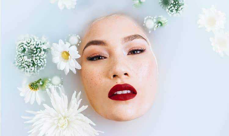 Skincare je věda: Jak vrstvit kosmetiku, abyste z ní vytěžili co nejvíc?