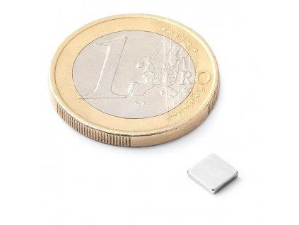 Neodymový kvádrový magnet 5x5x1 mm (1ks)
