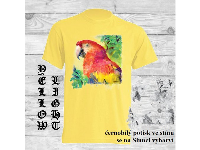 zlute tricko hlava papouska