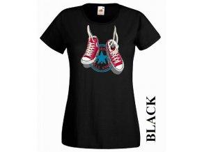 Černé dámské levné tričko s teniskami Converse