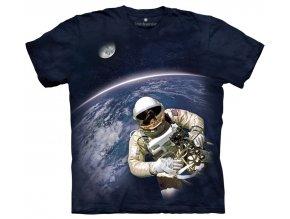 tricko zeme astronaut
