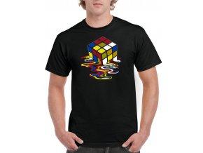 cerne tricko tajici Rubikova kostka