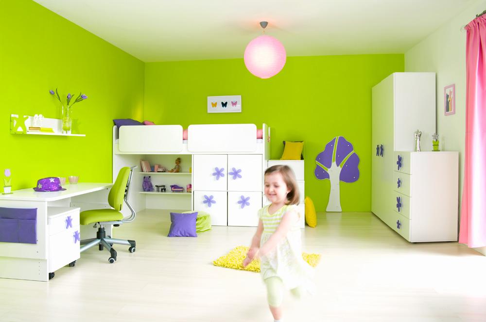 Bílý dětský nábytek