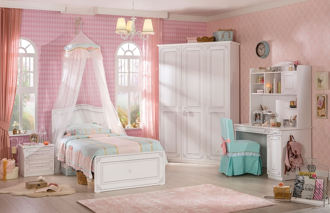 Praktická kolekce nábytku pro holky Selena