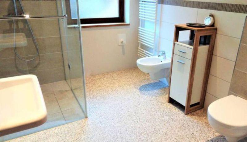 Kamenný koberec do kúpeľne