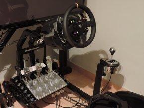 AUTOMOTIV (automotivní simulátor k pronájmu pro firemní akce)