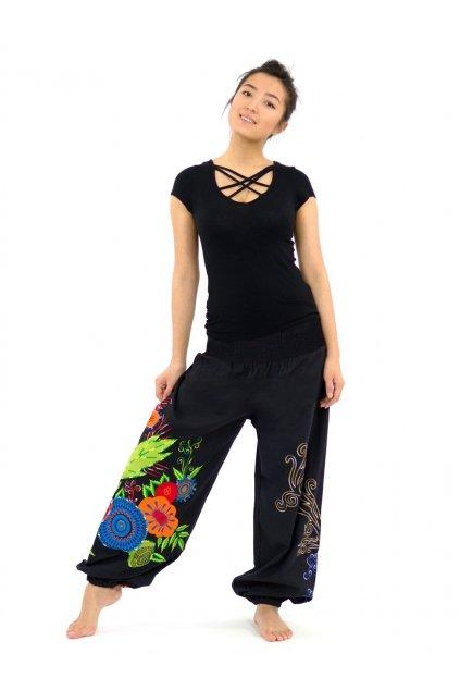 Teplejší kalhoty MITA - černé s květy