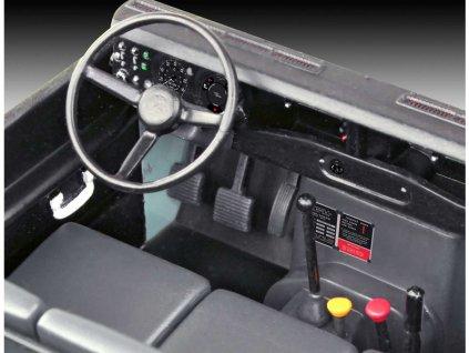 Revell Land Rover Series III (1:24) (sada)