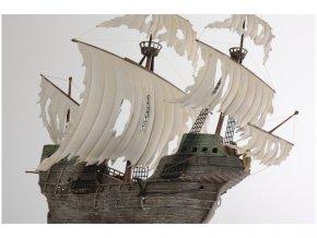 Zvezda Flying Dutchman (Ghost Ship) (1:100)