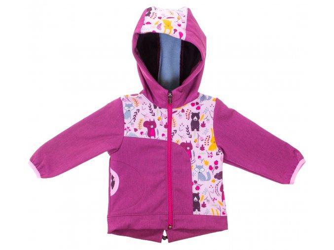 Zimní softshellová bunda Les růžová. Zateplená kojenecká a dětská bunda zateplená fleesem. Oblečení pro miminka, kojenecké soupravy, body, tepláčky, bunda s kapucí a kapsou s motivem zvířátek. Vyrobeno v Česku.