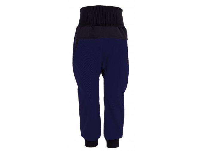 Zimní softshellové kalhoty Baby color tmavě modré. Kojenecké a dětské softshellové kalhoty.Kojenecké a dětské oblečení. Kvalitní české oblečení. Kalhoty tmavě modré barvy. Kalhoty pro kluky.Bavlněný náplet v pase