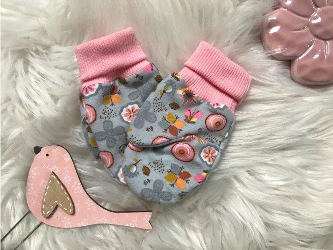 Kojenecké zateplené rukavičky. Růžovo šedé rukavice. Květinový vzor. Dívčí a kojenecké. Zateplené tepláčky. Oblečení pro miminka. Oblečení pro děti. Kvalitní české oblečení