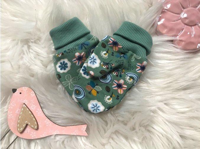 Kojenecké zateplené rukavičky Zimní květ zelená. Zeleno růžové rukavice. Květinový vzor. Dívčí a kojenecké. Oblečení pro miminka. Oblečení pro děti. Kvalitní české oblečení