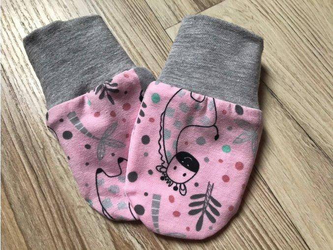 Kojenecké rukavice pro miminka Krokodýl růžová. Bavlněné rukavice. Bavlněné šedé náplety. Rukavice proti škrábání. Neutrální rukavice. Pro děti a kojence. Oblečení pro miminka. Oblečení pro děti.