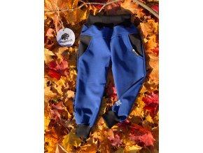 Dětské a kojenecké zimní softshellové kalhoty Puzzle modré. Zimní softshell. Neutrální kalhoty. Bavlněný černý náplet. Oblečení pro miminka. Oblečení pro děti.Dětské a kojenecké oblečení. Kvalitní české oblečení.