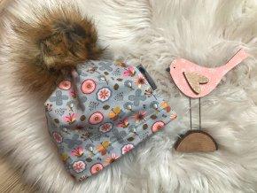 Zimní čepice. zateplená čepice zimní květ šedá. Zatelená zimní čepice. Dívčí šedá čepice s růžovými květy. Oblečení pro miminka. Oblečení pro děti. Dětské a kojenecké oblečení. Kvalitní české oblečení.