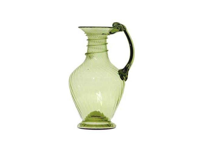 antická karafa na víno