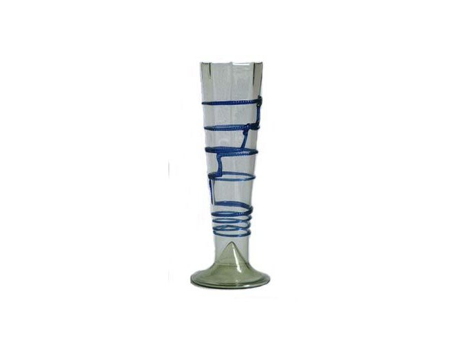 historický pohár s modrou barvou