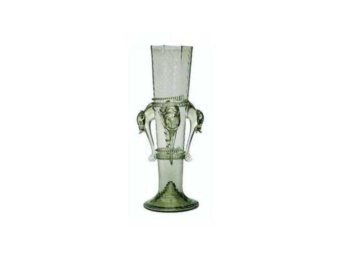 historický pohár zvířecí hlavy