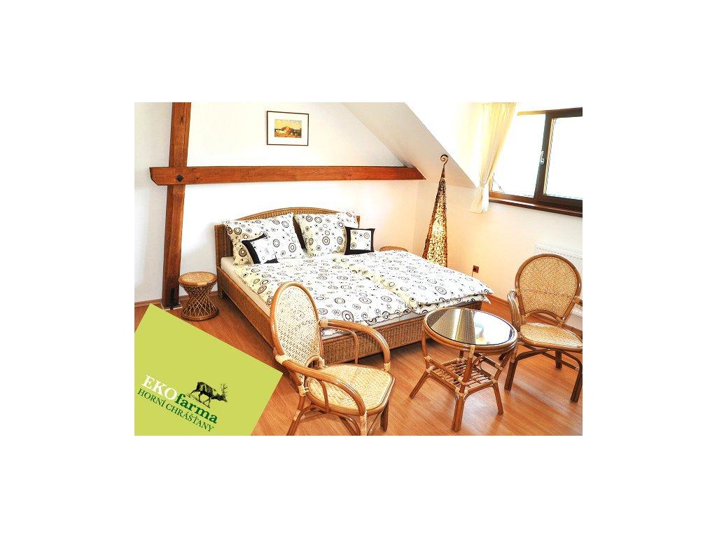 Manželská ratanová postel 200x160 tmavý med