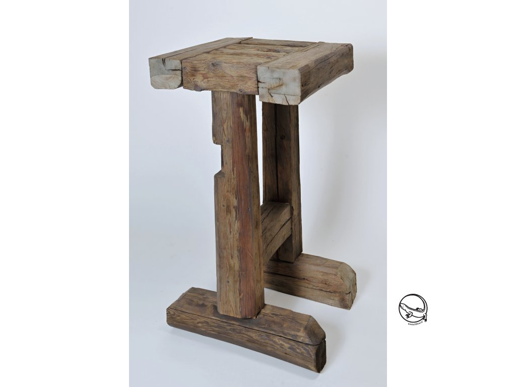 Barový stůl masiv (2)