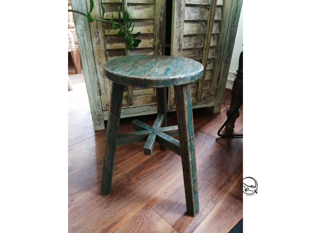 Dřevěná stolička zelená kulatá