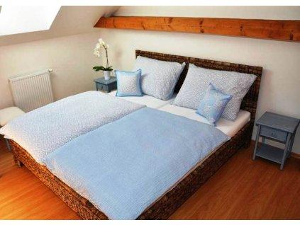 postel kov banán 180x200