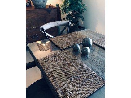 Jídelní jilm stůl (1)