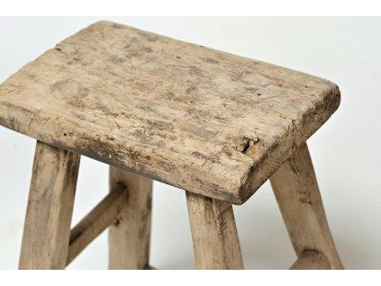 Dřevěná stolička přírodní