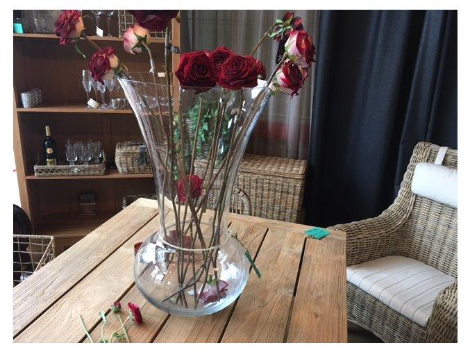obrovská skleněná váza