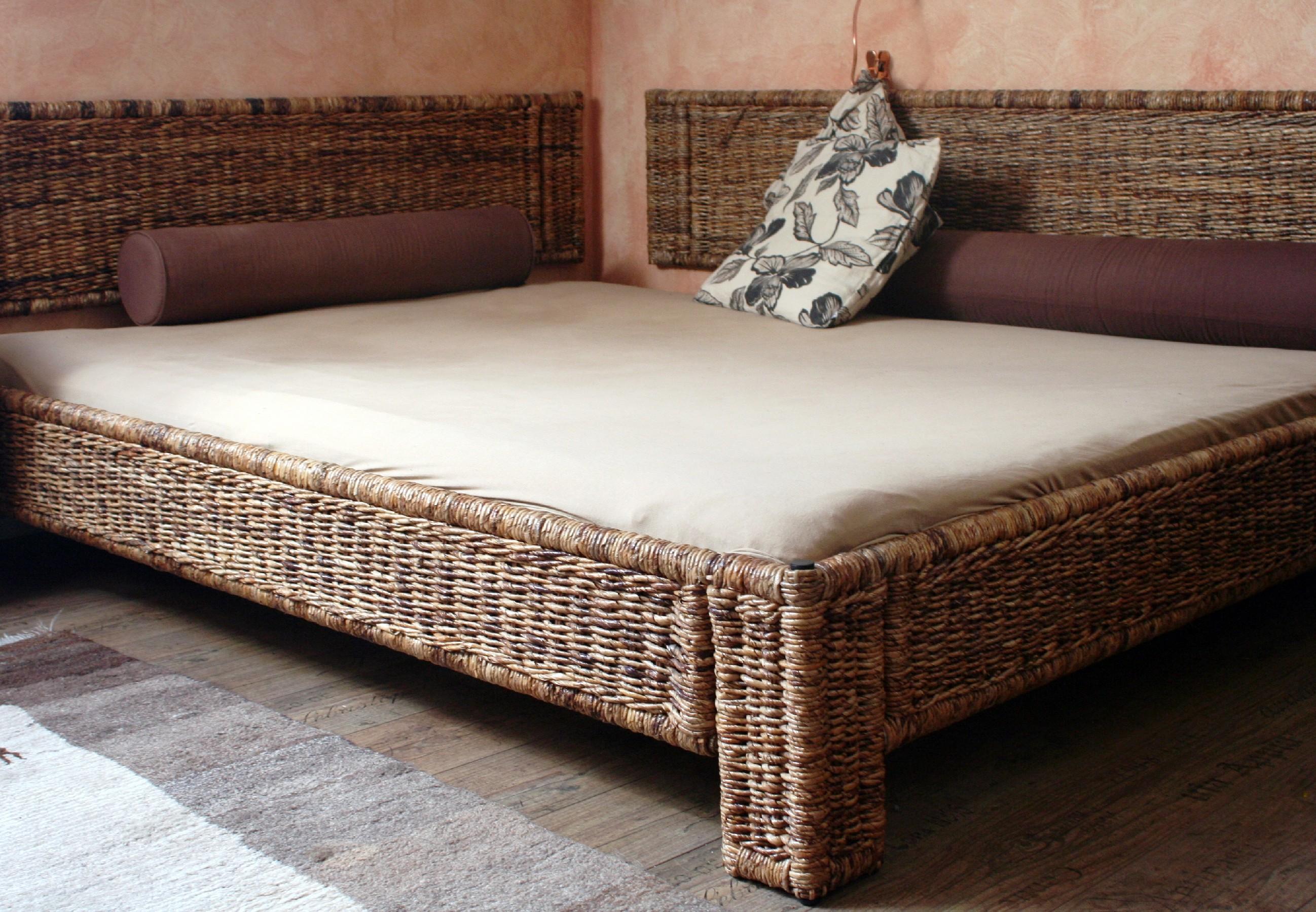 Manželská postel 160 banán