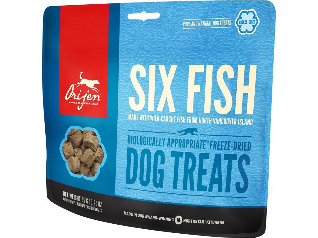 NS treats dog six fish fr