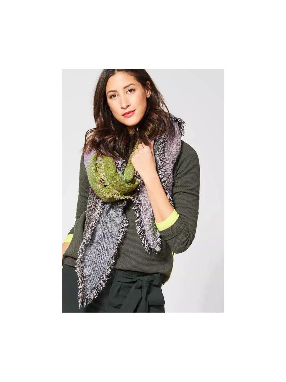 Šátek v barvách