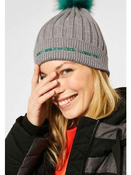 Žebrovaná pletená čepice