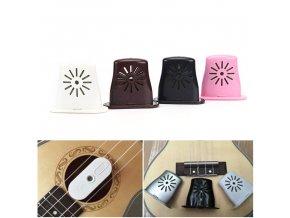 EBE zvlhčovač na ukulele vsaditelný mezi struny