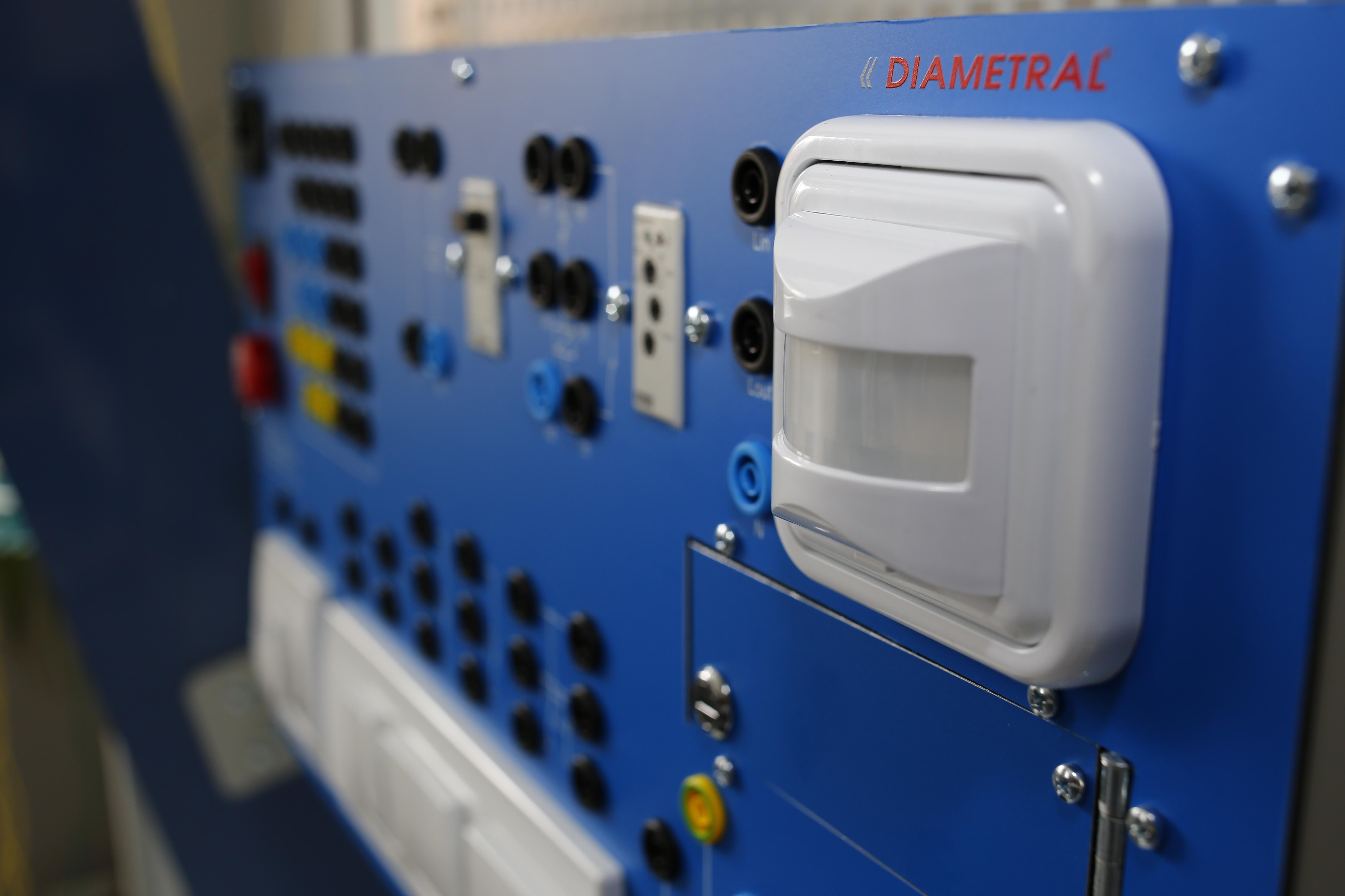 Uno Volta výukový panel UV100
