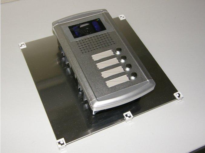 Modul VarioClick, Videovrátný - vchodové tablo s tlačítky a barevnou kamerovou jednotkou pro čtyři účastníky