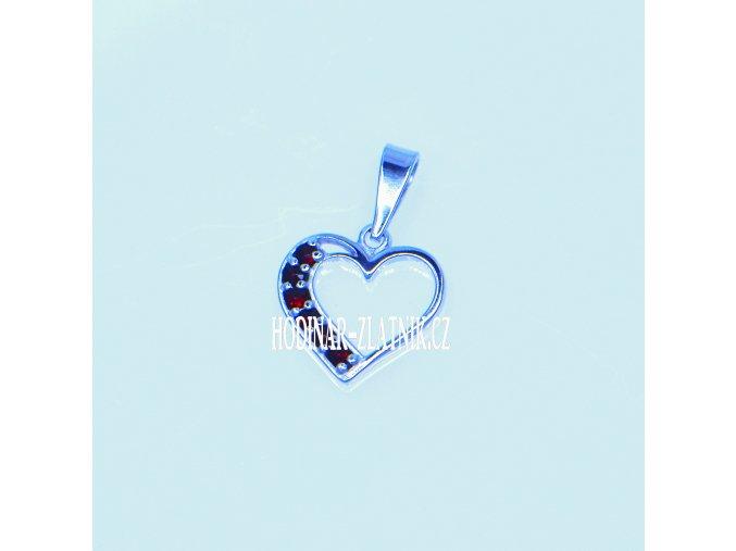 141087450016471087  Přívěšek srdce s Českým granátem