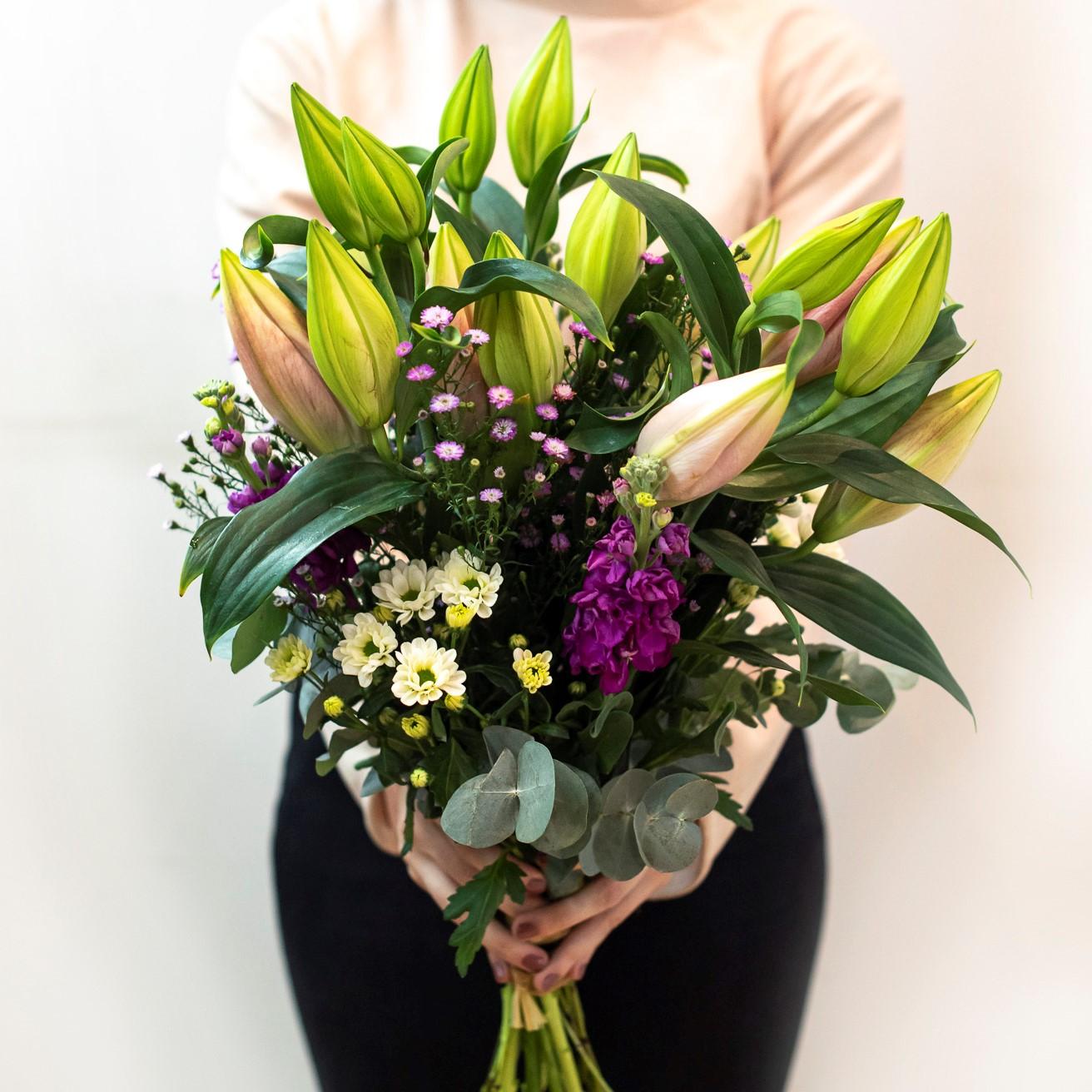 Lilie: Elegantní královna květin