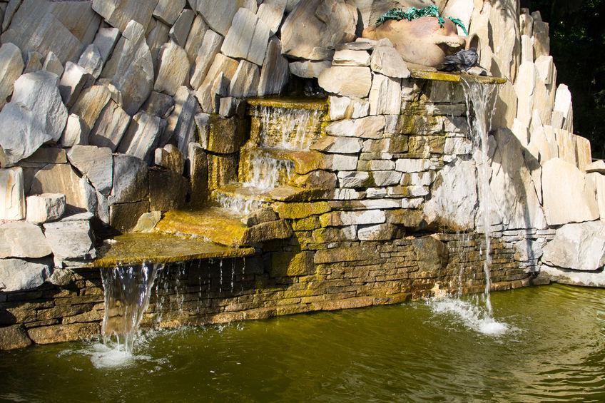 Ako zabezpečiť záhradné jazierko pred odchodom na letnú dovolenku?